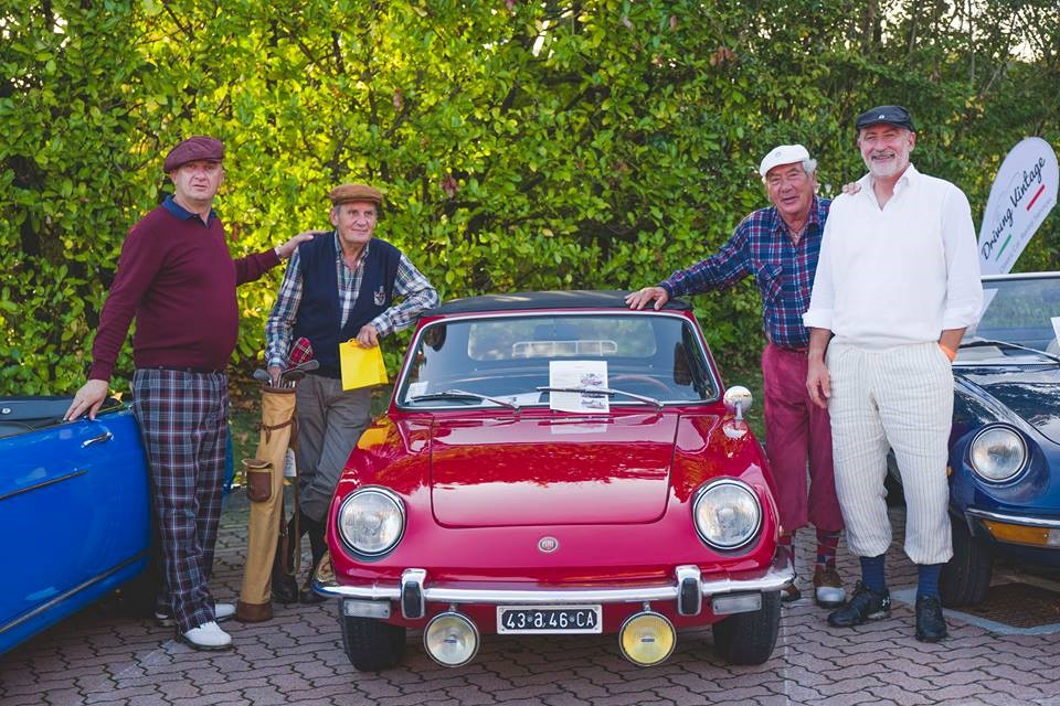 4-Golf-Club-Royal-Park-i-Roveri_Driving-Vintage--incentives_team-building_events_corporate_evento-aziendale_tour_Langhe_gruppo_Torino_auto-vintage_auto-depoca.jpg