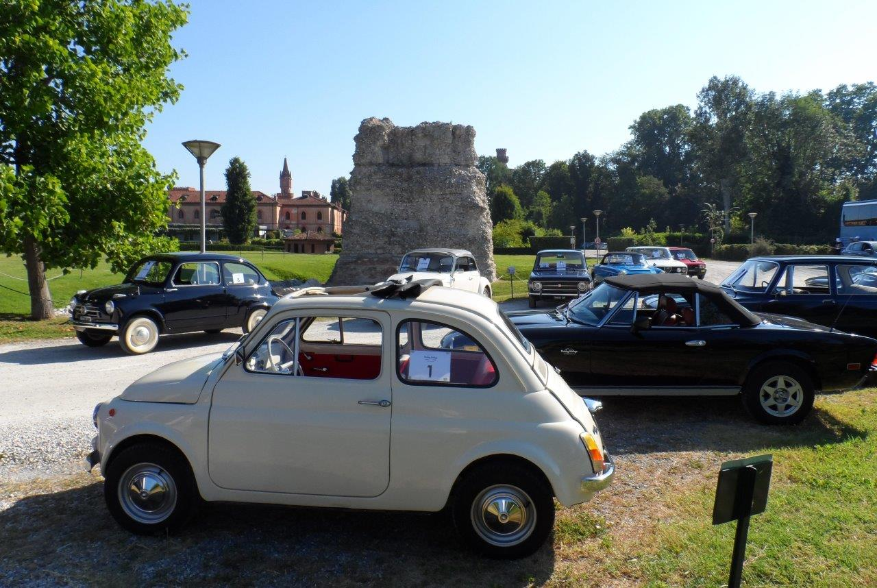 7-Pollenzo_Driving-Vintage-Tour-accompagnati_guided-tour_tour_vintage-car_auto-depoca_driving-vintage_turismo_leisure_langhe_Turin_Torino_noleggio-auto_car-rental.JPG